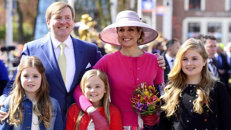 De koninklijke familie in Zwolle voor het vieren van Koningsdag. Beeld anp