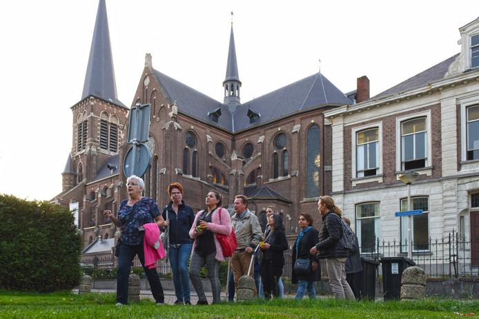 Wandelend door Etten-Leur de Nederlandse taal leren