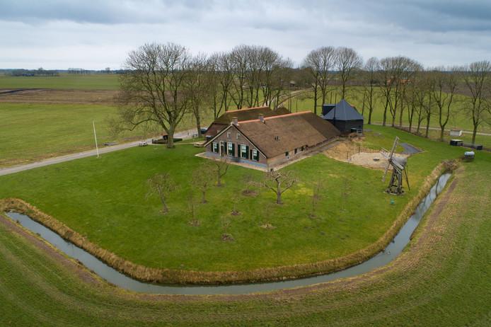 De première van Boerderij in de Buurt is 23 maart in de museumboerderij van Kampereiland, volgens de makers 'een perfecte plek'.