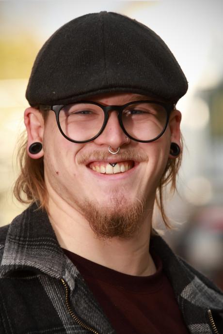 Bassist Joeri (20) is gek op tattoos: 'Er komen er nog een hele hoop bij'