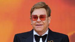 """Elton John openhartig over verslavingen: """"Ik kon alleen maar denken: 'Ga ik sterven of ga ik leven?'"""""""
