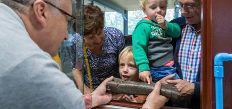 Dinosaurusin Oertijdmuseum: Puzzelen met de botten van diplodocus Kirby