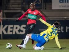 Langil onttrekt zich in eerste helft aan algehele malaise tegen Jong Ajax