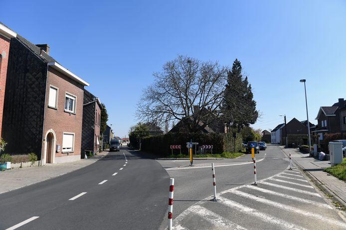 Het kruispunt van Kroonstraat en de Speelbergweg in Herent waar het ongeval gebeurde in de zomer van 2018.