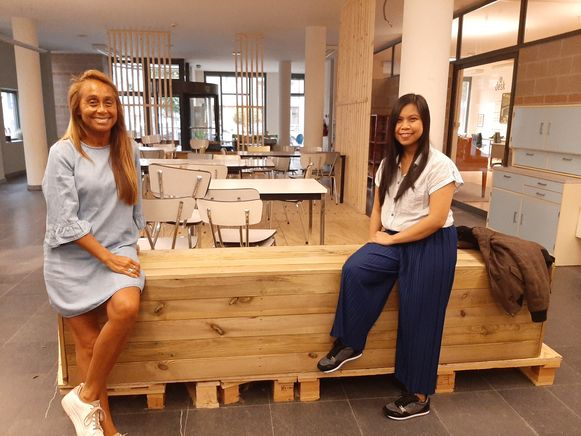 Zulma en Joy serveren Argentijnse en Filipijnse specialiteiten.