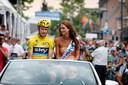 Chris Froome laat zich rondrijden in Stiphout na zijn Tourzege van 2013.