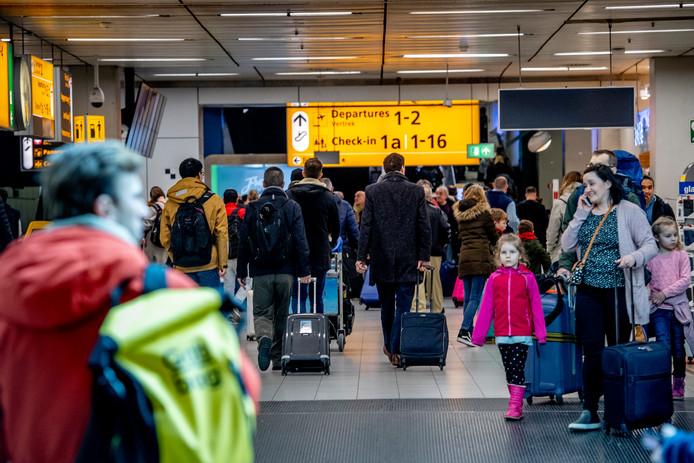 Reizigers op Schiphol