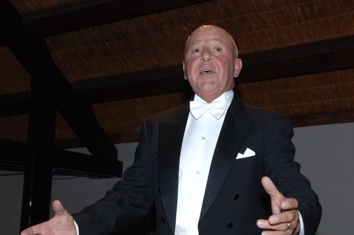 Berry Reijnen, de Osse operette- en musicalzanger staat in de finale van het Ouderen Songfestival