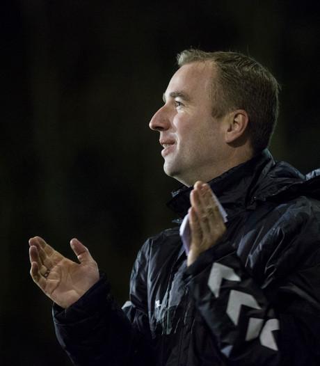 Daniël de Lange kondigt vertrek als trainer vv Dieren aan