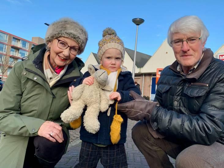 Lekker met opa, oma en 'apie' aan de wandel in Leerdam