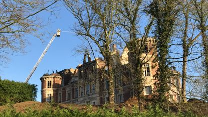 Kasteel van Dongelberg zwaar beschadigd door brand