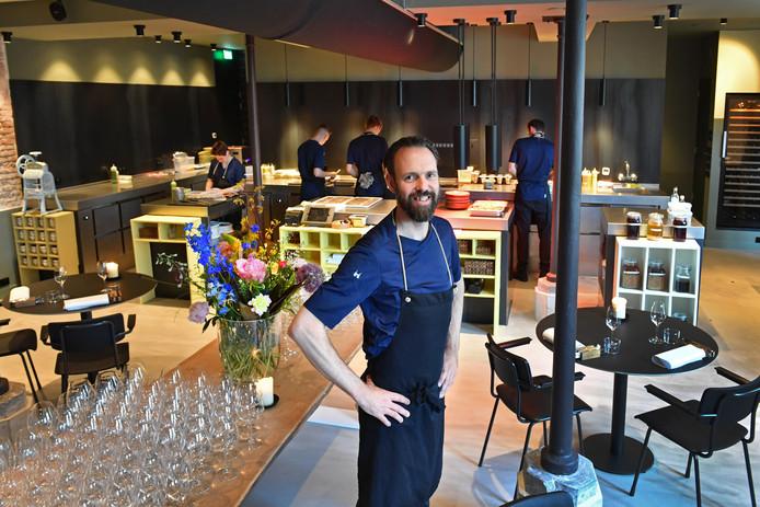 Chef-Kok Emile van der Staak in De Nieuwe Winkel.