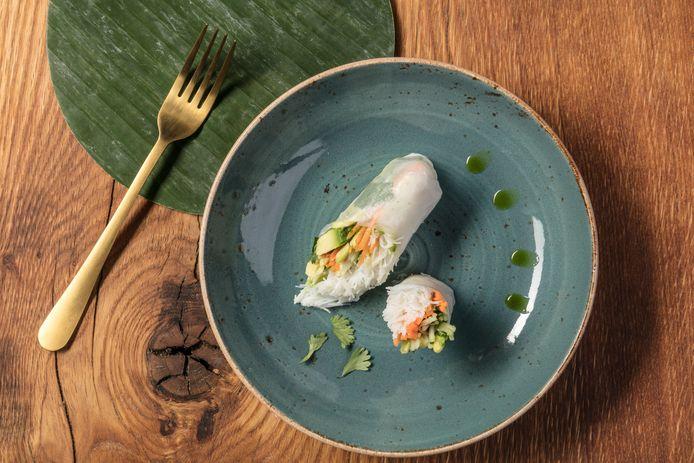 Vietnamese summer rolls met banaan, avocado en komkommer