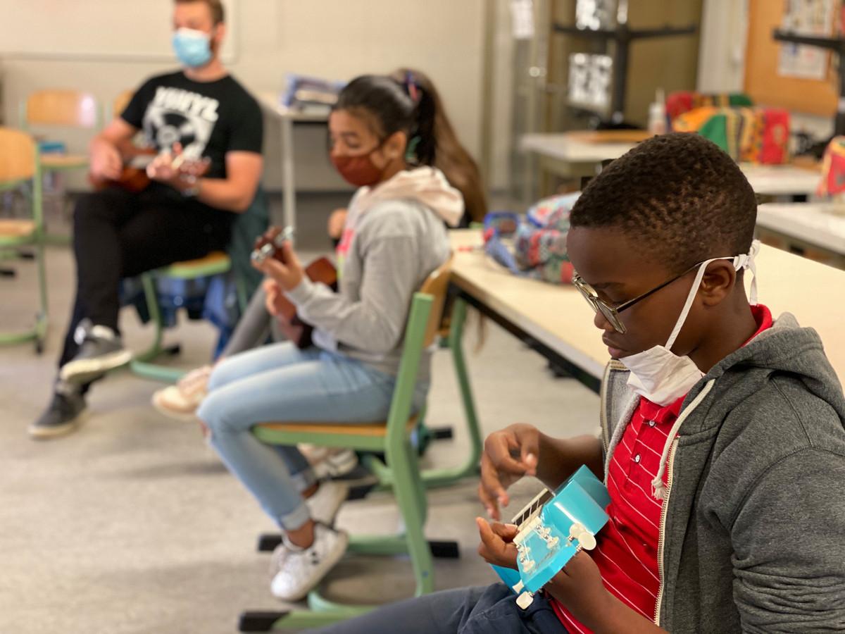 Een deel van de leerlingen volgde een muziekles.