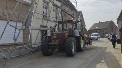 Tractor rukt stelling los