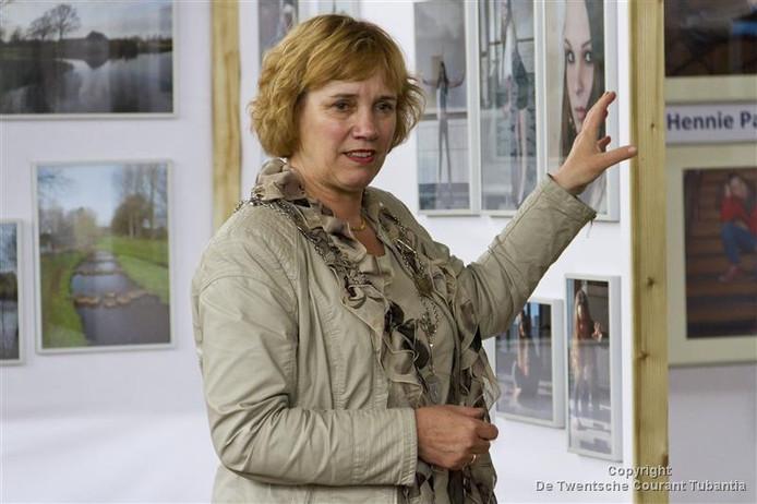 Burgemeester Raven van de gemeente Hellendoorn: wie heeft er gelekt naar verslaggever van dagblad De Twentsche Courant Tubantia?