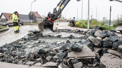 Nog de hele week verkeershinder door herstelling fouten op pas aangelegde rotonde aan de brug over de Schelde in Gavere