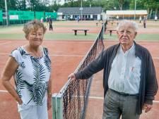 Henk en Nellie zetten tennispark De Eerde te koop