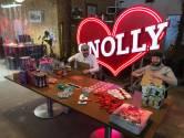 Eenzame thuisfeestjes worden steeds inventiever: Disco Snolly komt met doe-het-zelf-discopakketten