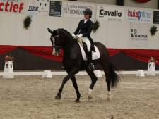 Lotje Schoots als komeet uit startblokken in It's All Dressage