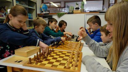 """Basisschool start met schaaksessies: """"Zinvolle binnenactiviteit tijdens winter"""""""