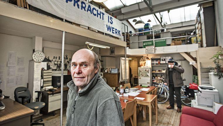 Jacques Peeters zit sinds de jaren tachtig in de bijstand: 'Veel mensen snappen niet dat het werkloosheidsprobleem buiten mij ligt'. Beeld Guus Dubbelman / De Volkskrant