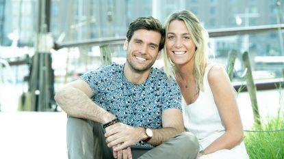 """'First Dates'-barman Bram en zijn verloofde kennen elkaar dankzij Tinder: """"Eigenlijk wilden we geen relatie, alleen plezier en aandacht"""""""
