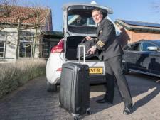 Piloot Robin van der Leeden: 'Als we in Budapest landen gaan we onder politiebegeleiding naar ons hotel'