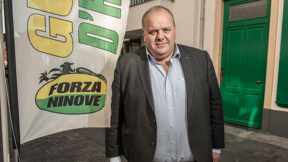 Racistische 'chocomousse'-foto van Forza-voorzitter zal hem coalitie met N-VA kosten