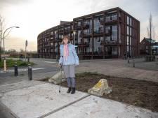 De ouderen in deze Zwolse wijk knokten voor hun bushalte én wonnen, 'weer met de bus de stad in!'