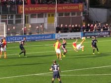 VIDEO: Heerlijke omhaal bij duel tussen CSV Apeldoorn en Sparta Nijkerk