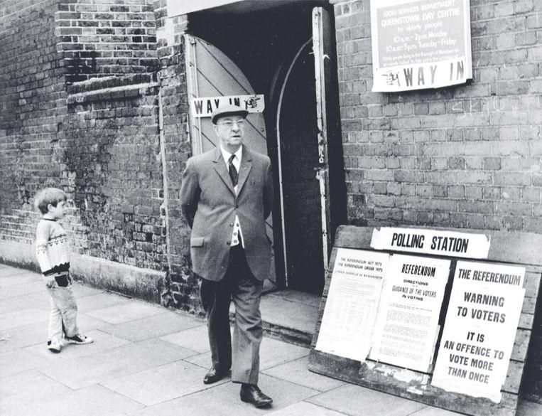 Een stembureau voor het Britse referendum over toetreding tot de EEG in 1975 Beeld Hollandse Hoogte