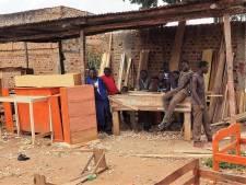 Ossenaar wil met zijn stichting Schools for Youth Afrikaans talent helpen: 'Beter iets doen dan niks'