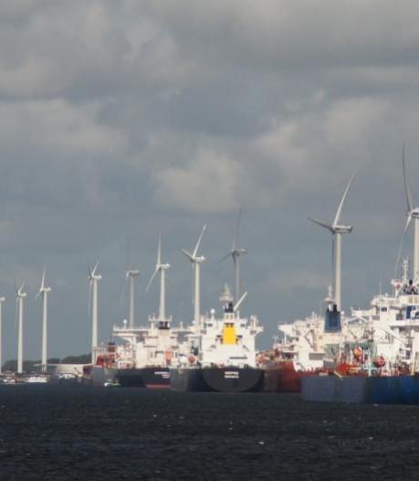 Windmolens Rozenburg zeker half jaar vertraagd
