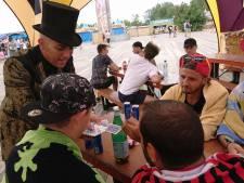 Armand, de Bruggeling die op Tomorrowland publiek verbaast met goocheltrucs