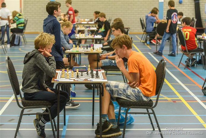 Stilte en krakende hersens in sporthal 't Wooldrik deze week.