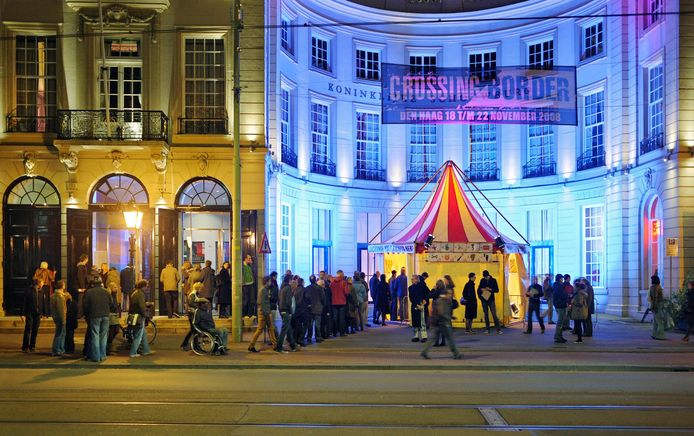 Sfeerbeeld Crossing Border Festival Den Haag Koninklijke Schouwburg  2011