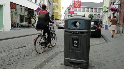 Botermarkt krijgt eerste vuilnisbak met asbakdispenser