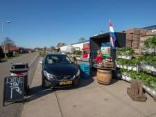 Aardbeien drive-in: creatieve oplossing tijdens coronacrisis in Koekoekspolder