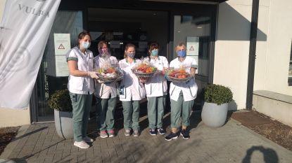Fruitmanden voor personeel en bewoners van woonzorgcentrum De Boomgaard