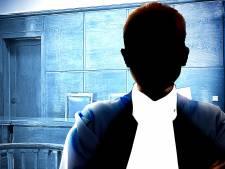 Advocaat dreigt zijn positie te verliezen