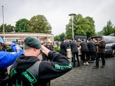 Uitvaart voor voormalig KNIL-militair in Wierden met militaire eer en ronkende motoren