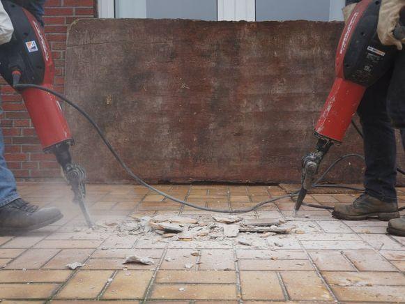 Door zelf aan de slag te gaan bij de afbraakwerken aan je woning kan je heel wat besparen. Tenminste als je deze fouten niet maakt ...